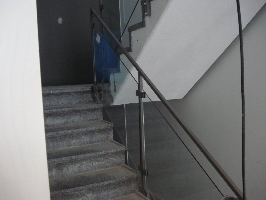 racke-med-glas-byggcomp6